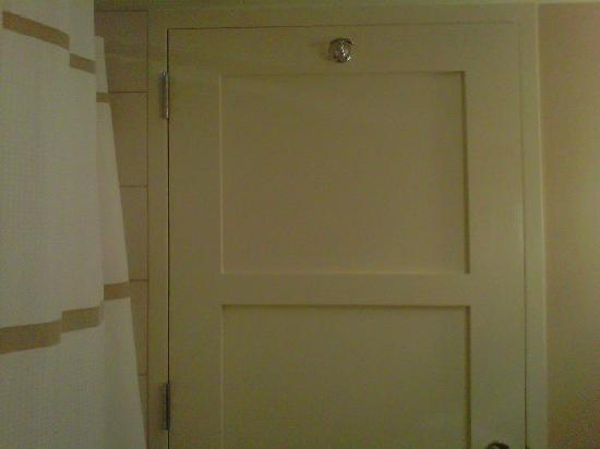 Raleigh Marriott City Center: Only a giant can reach this hook!