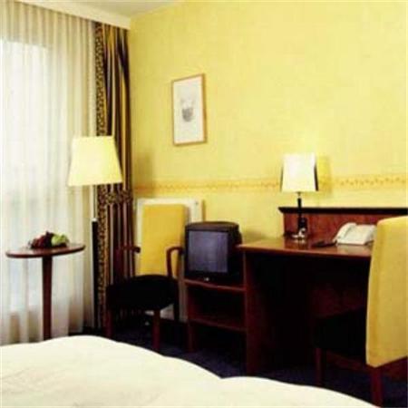Avalon Hotel Domicil: Room