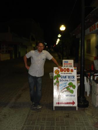 BOB's Cozumel: John Hanging @ Bob's