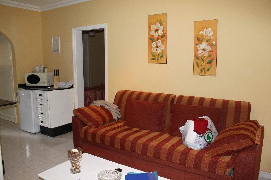 Club Las Adelfas : livingroom