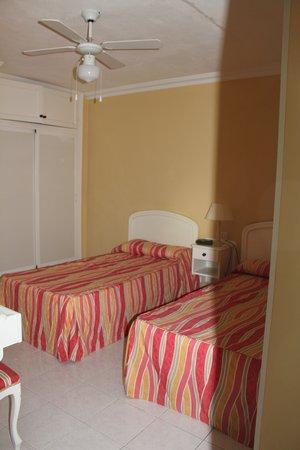 Club Las Adelfas: Bedroom