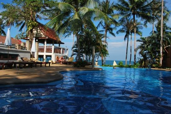 Pinnacle Resort Samui: pinnacle swimming pool