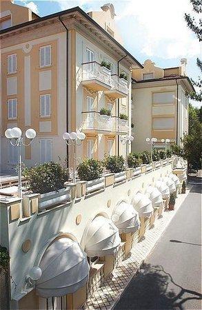 호텔 루나리치오네