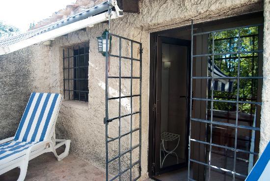 Le Mas d'Entremont : balcony