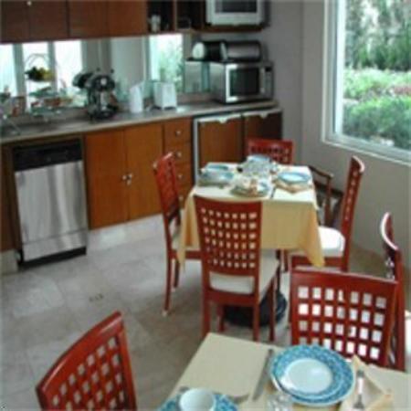 La Loma Suites: Restaurant