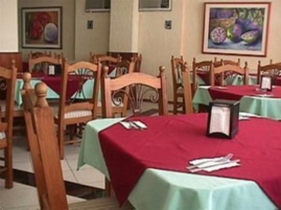هوتل باتاب: Dining
