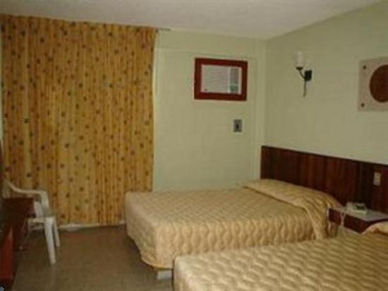 Hotel Batab: Guestroom