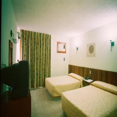 Hotel Batab: Room