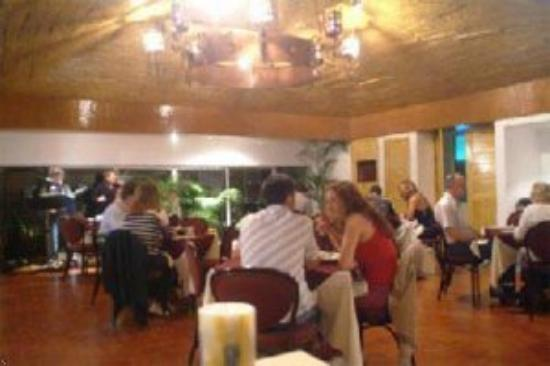 Maya Caribe Hotel: Dining