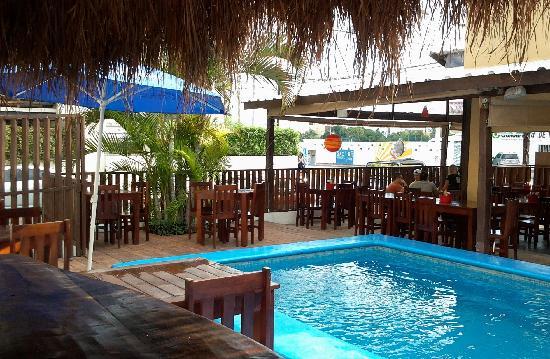 Chiltepin Marisquillos : Open Pool
