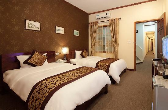 Hanoi Triumphal Hotel: Deluxe room 2