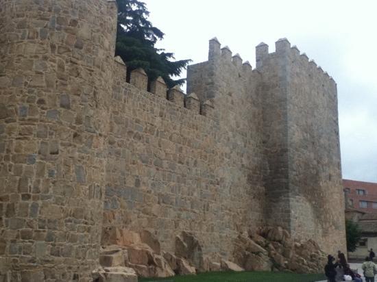 Landscape - Hotel Palacio de Valderrabanos: Fortified corners of the Avila walls