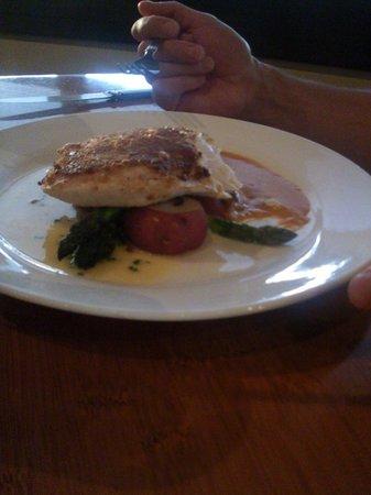 Roy's Restaurant : Swordfish (again bad picture)