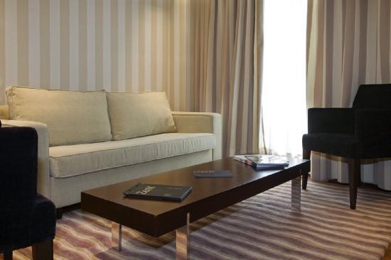 Hotel Zenit Bilbao: Room