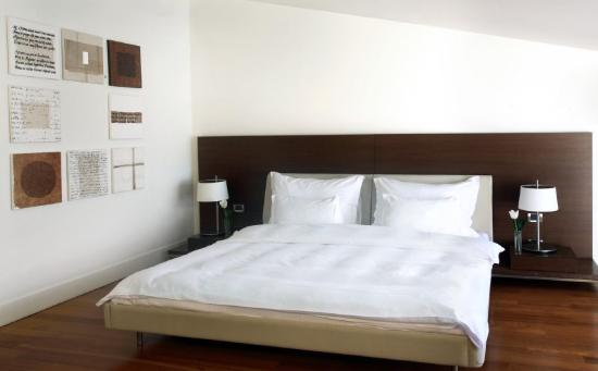 Ajia Hotel: Deluxe Park Room Picture