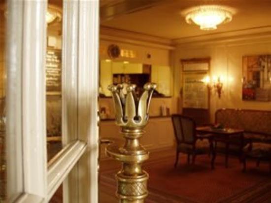 Hotel Krone: Lobby View