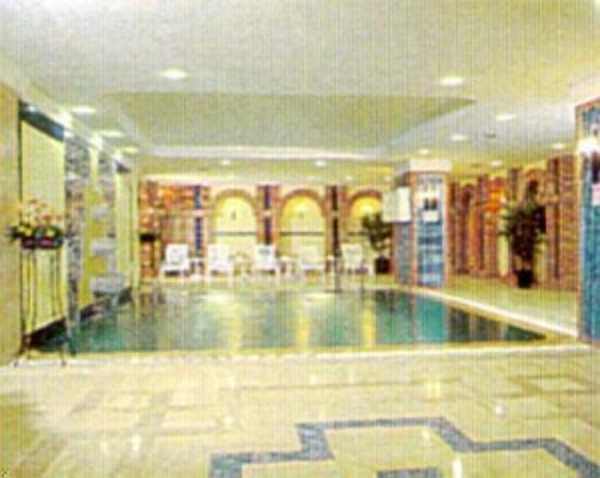 Madison Hotel: Swimming Pool