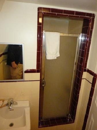 Wigwam Motel Shower entrance