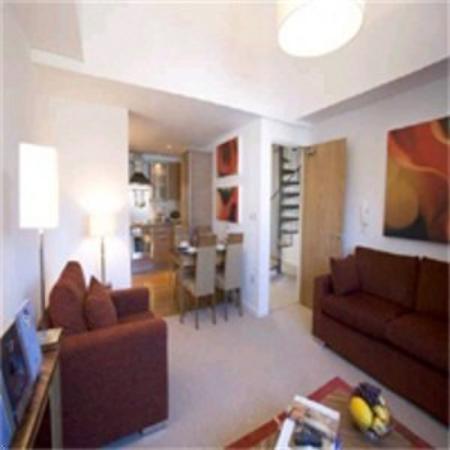 Premier Suites: Living Room Area