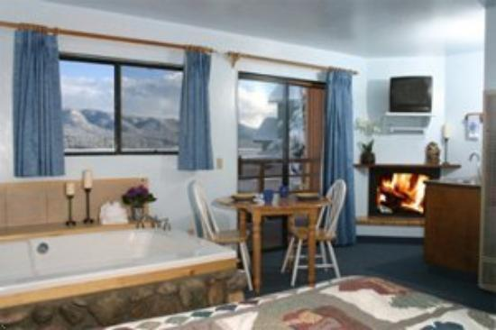 Big Bear Lake Front Lodge: Suite