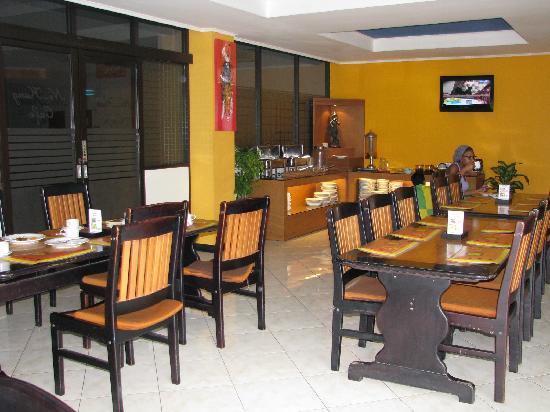 Yani Hotel: Breakfast room