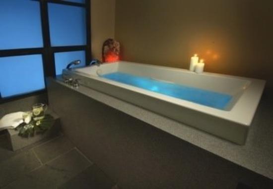 Vail Mountain Lodge : Spa Tub