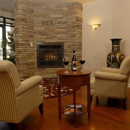 Inn at Cherry Creek: The Inn's Lobby