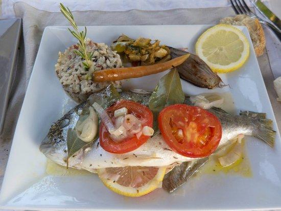 Le Chat Qui Peche : Fresh fish