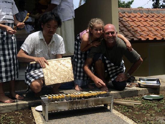 Pasar  Ubud: grill sate