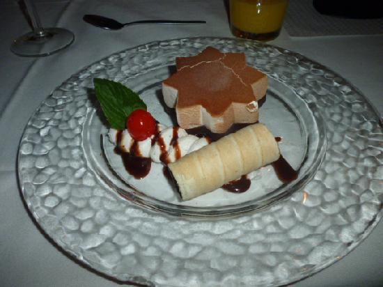 Club Hotel Davos: The Christmas ice cream