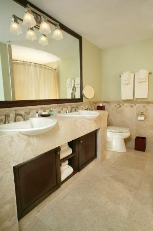 Arnold Palmer's Bay Hill Lodge: Bathroom