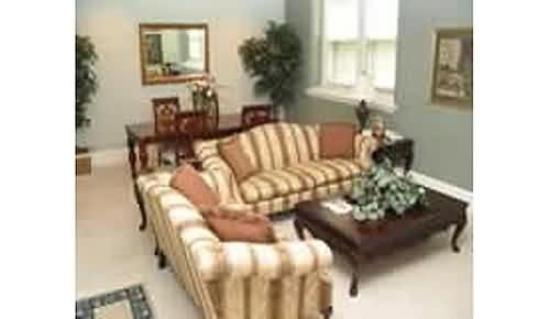 Hannaford Suites - Newport: Guest Room