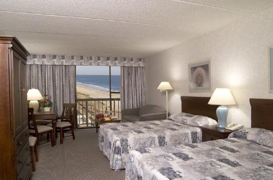 Clarion Resort Fontainebleau Hotel - Oceanfront: Twin Double