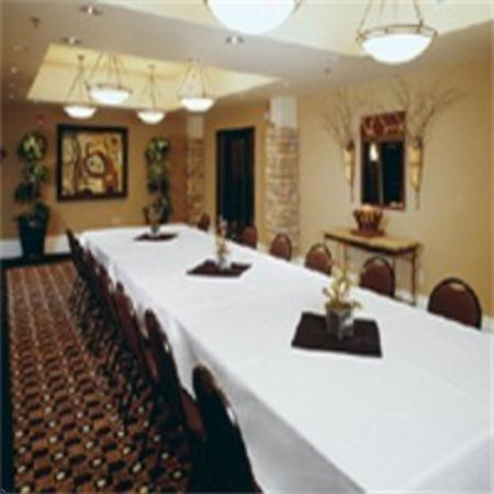 Holiday Inn Hotel & Suites St. Paul NE - Lake Elmo: Business