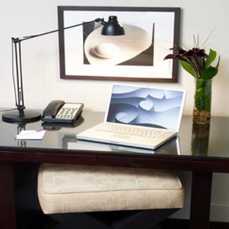 The Andrew Hotel: Desk In Room