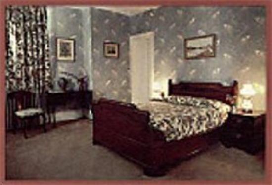 Le Chambord Hotel: Room