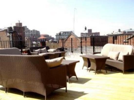 Signature Mini Suites of Minetta: Enjoye our open room deck!