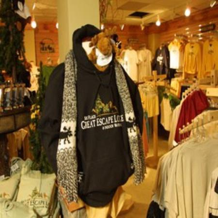 Six Flags Great Escape Lodge & Indoor Waterpark : Gift Shop