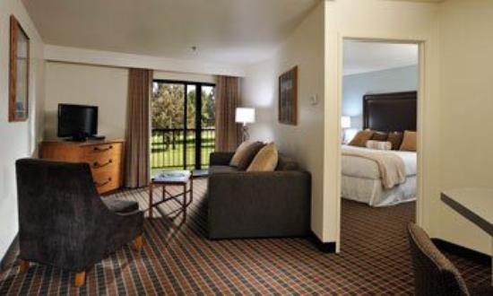 The Lodge at Eagle Crest: Suite Lvg And Bdrm