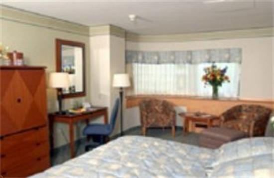 Gregg Conference Center Hotel: guest room