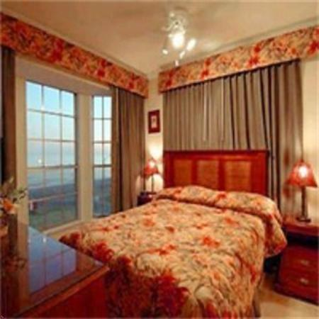 The Victorian Condo-Hotel Resort & Conference Center: Guest Room
