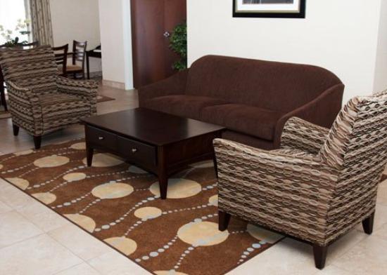 Comfort Inn & Suites: INLobby Still A