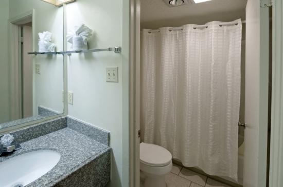 Economy Inn : Double Standard Bath