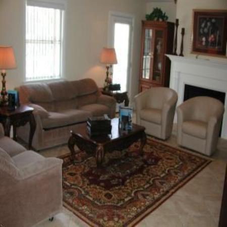 Resort Plaza: Living Room