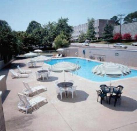 Inns of Virginia Richmond : Swimming Pool