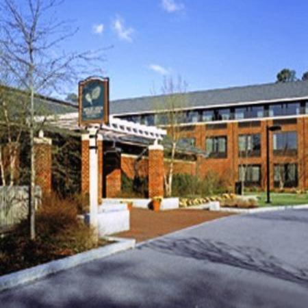 Woodlands Hotel & Suites - Colonial Williamsburg: Exterior