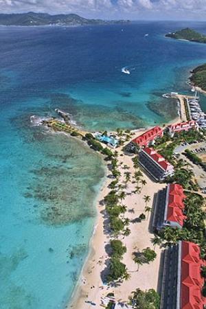 Sapphire Beach Resort: Beach