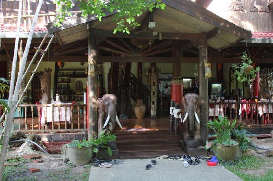 Na-Thai Resort: veranda