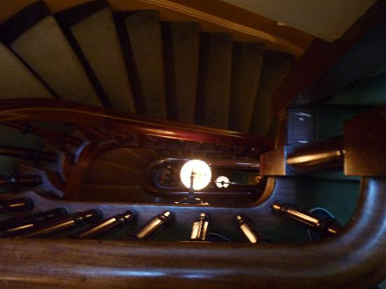 14 Union Park: amazing antique staircase