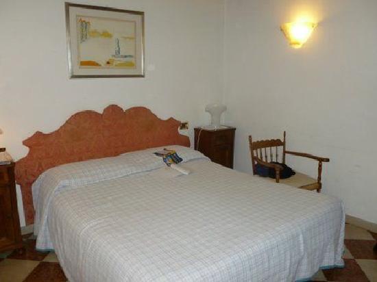 Riva: 2nd Floor Room